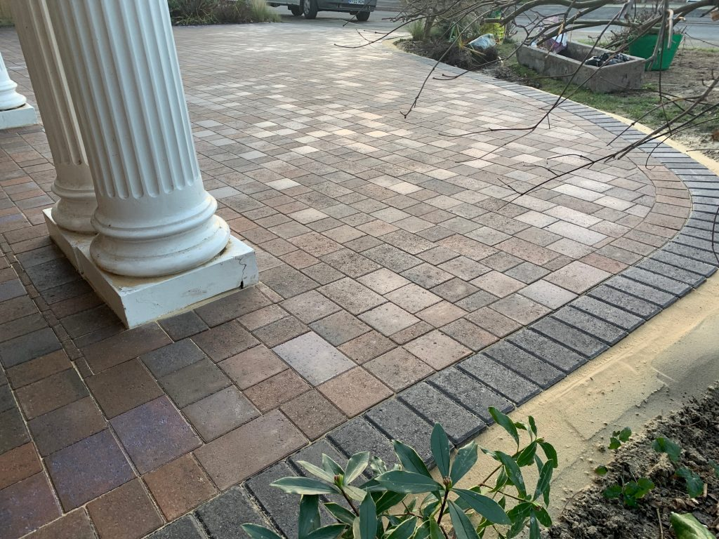 Curved block paving around columns