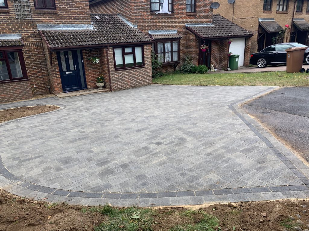 Curved driveway with Block Paving by Acre Driveways